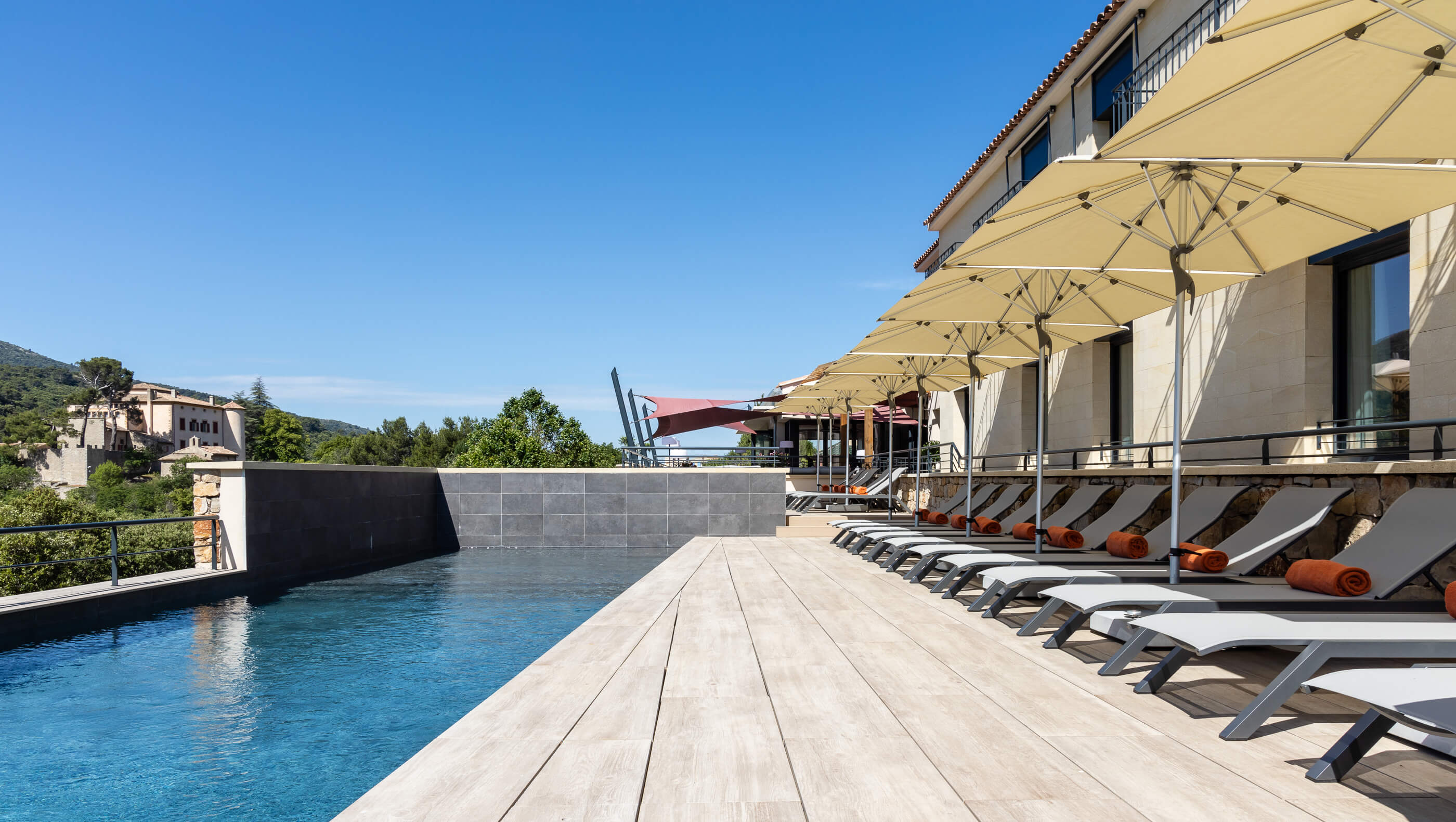 Hotel Sainte Victoire Outdoor Poolwith Mountain View located at Vauvenargues near from Aix en Provence